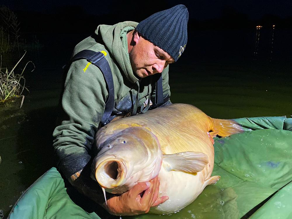 47,825kg - crapul de RECORD MONDIAL prins la HOT FISH!